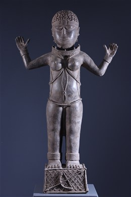 Royal statue Benin Bini Edo