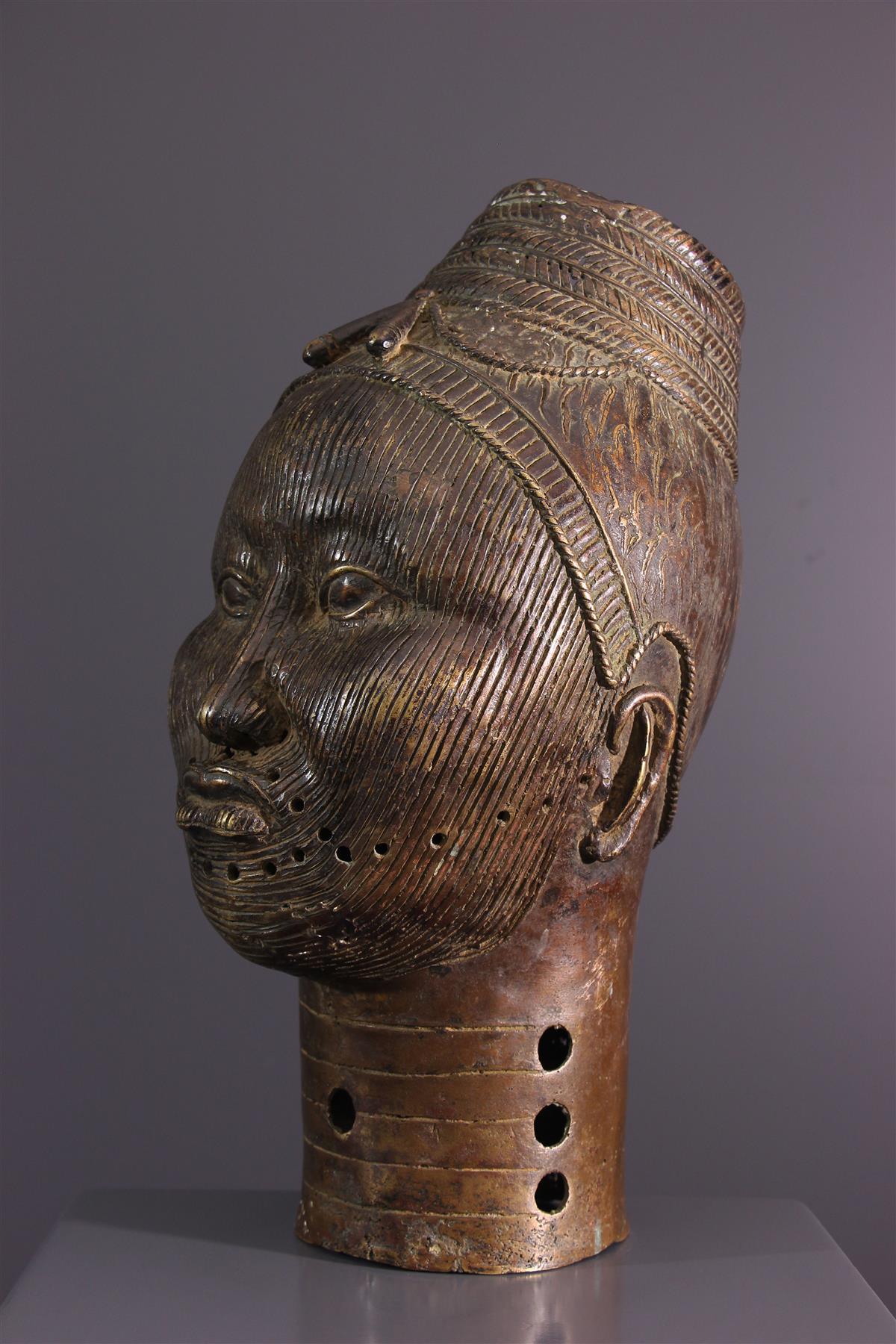 Bronze head - African art