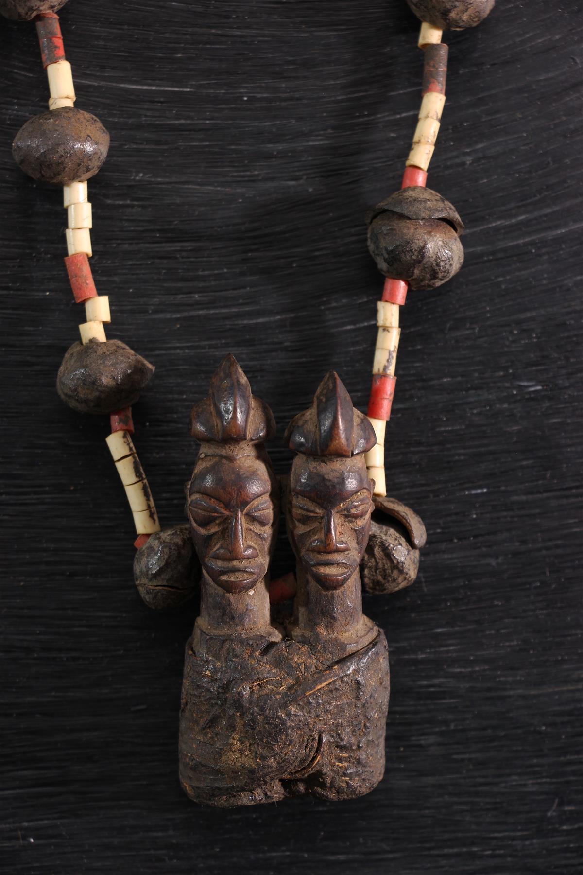 Yaka necklace - African art