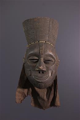 Mask Lwena Mukishi wa Pwo