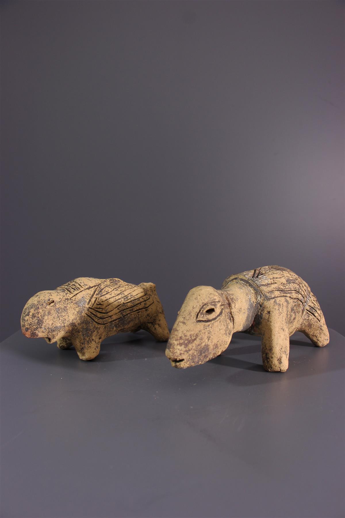 Animal figures - African art
