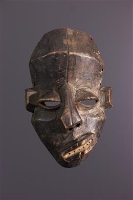African art - Small Pende Nsembu mask