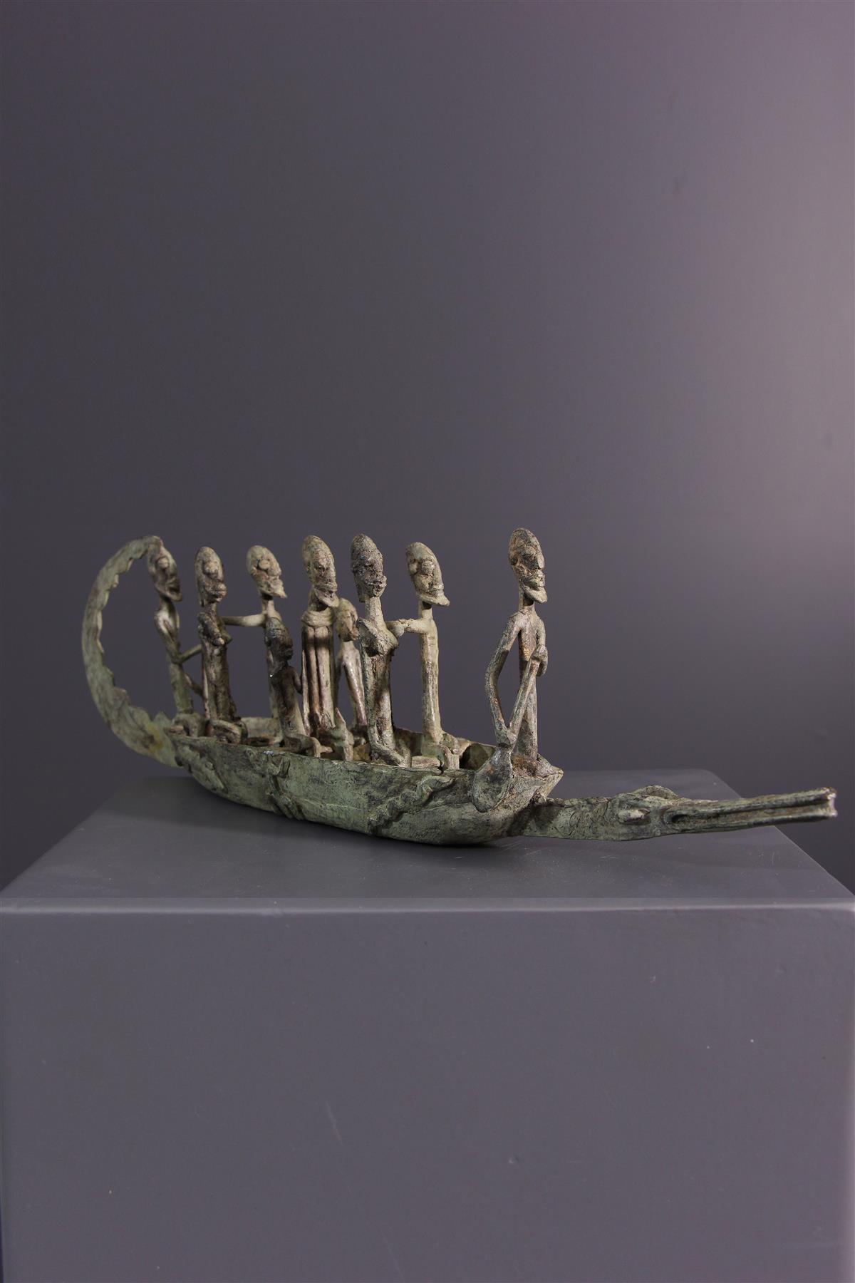 Dogon pirogue - African art