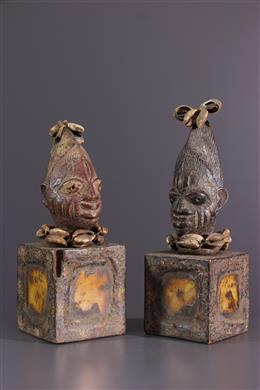 African art - Pair of Ibeji Yoruba statuettes