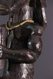 ReliquairesFang statue