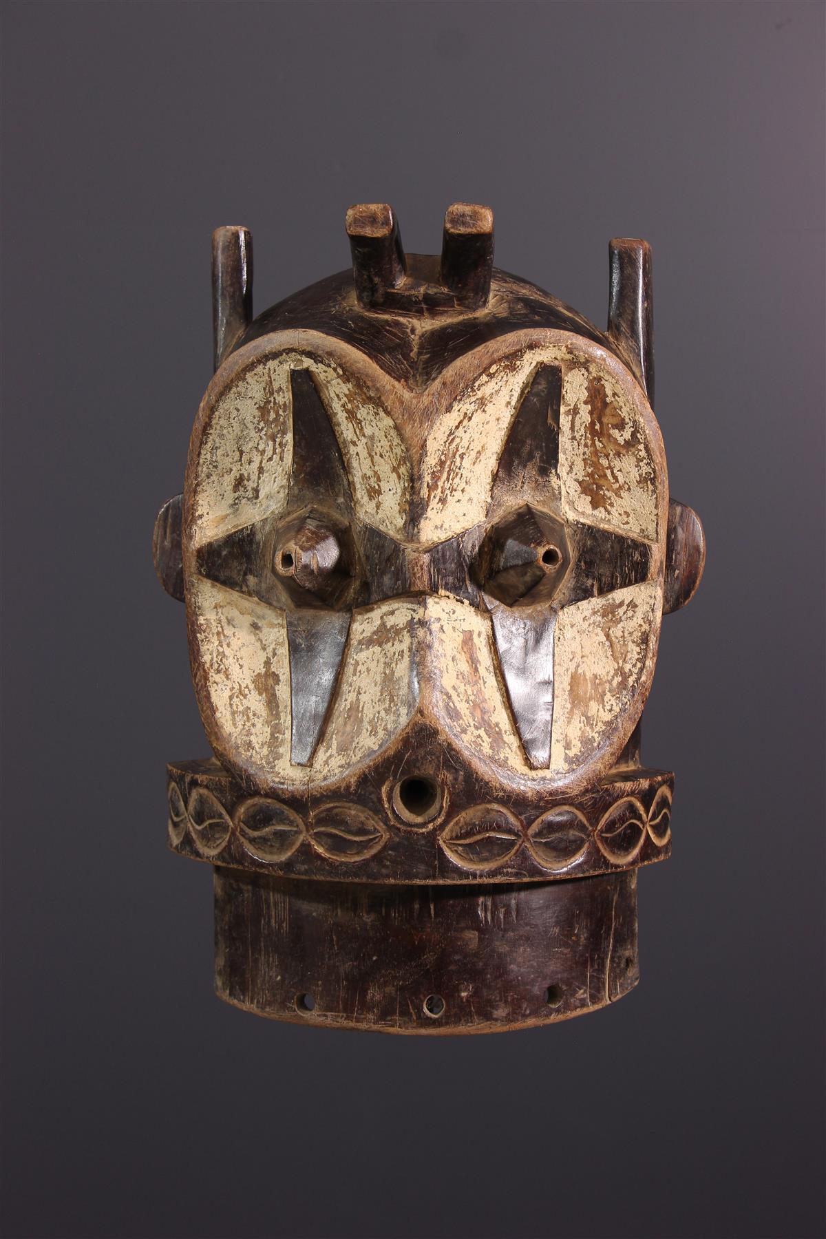 Bembe masker - African art