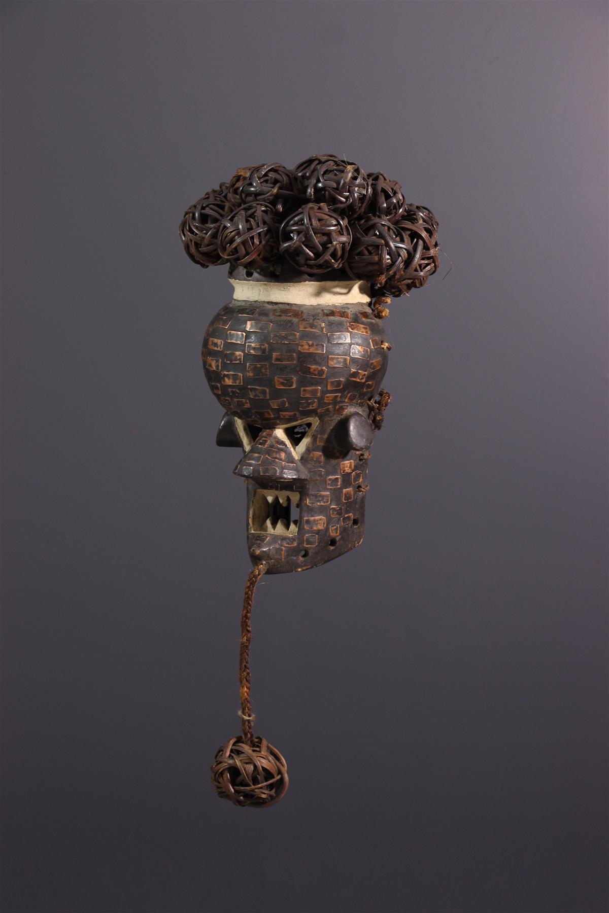 Salampasu masker - African art