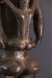 MaternitéDan statue