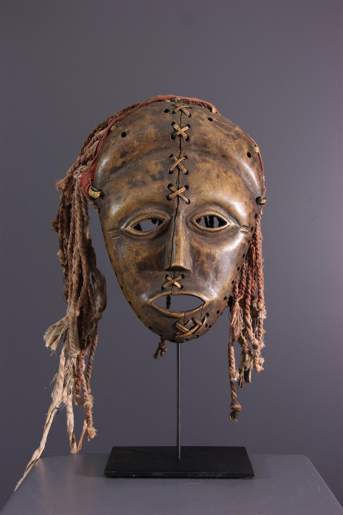 Luvale mask - African art